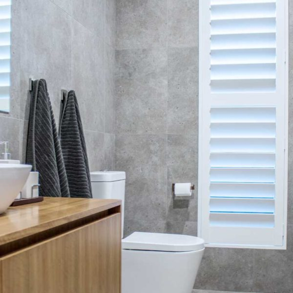 Modern bathroom installed with vertical ThermoPoly Shutters