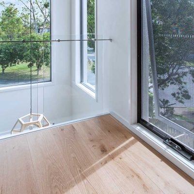 Crimsafe-Awning-Window-03